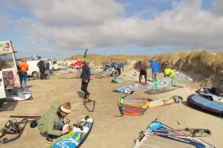 aldrig har der været så mange windsurfere på Skallingen